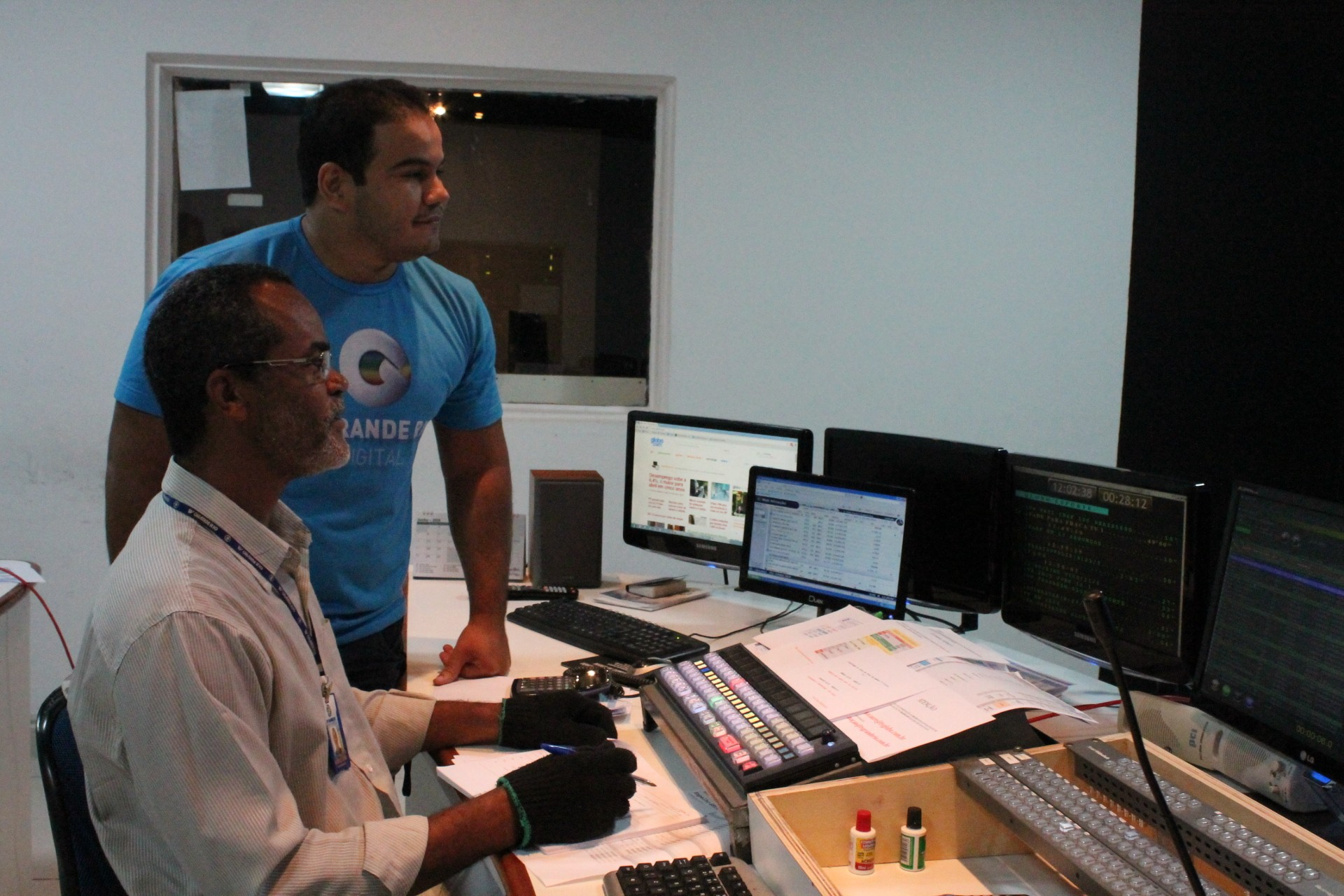 Antonio Silva é Coordenador de Programação da TV Grande Rio (Foto: Gabriela Canário)
