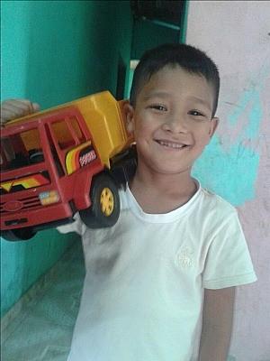 Marlon Buzaglo, de cinco anos, está fora de perigo e deve receber atendimento psicológico, segundo o avô (Foto: Arquivo Pessoal)