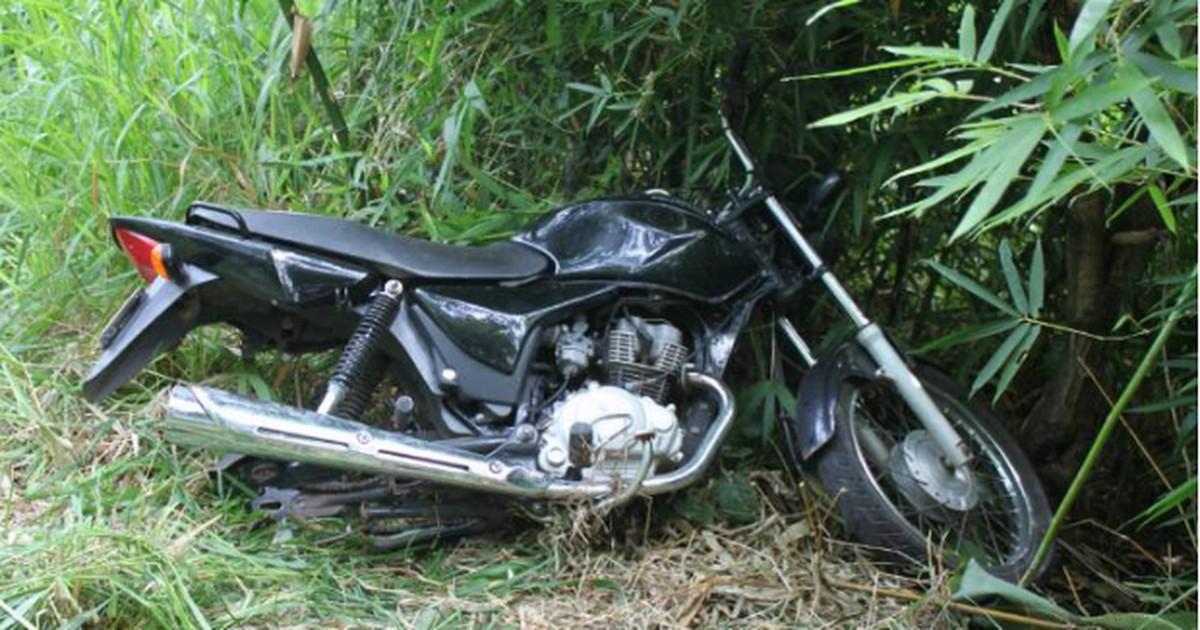 Motocicleta furtada é abandonada sem roda em Itapeva,SP - Globo.com