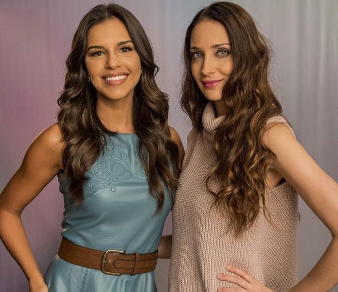 Mariana posa ao lado de Patrícia Barros, que também participa da novela (Foto: João Cotta/Globo)