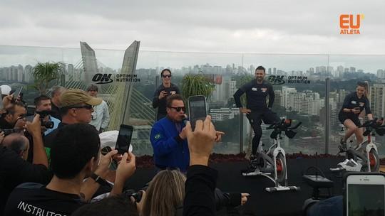 Saideira: último dia do Arnold tem musas pacientes, astro no pedal e comidas fitness