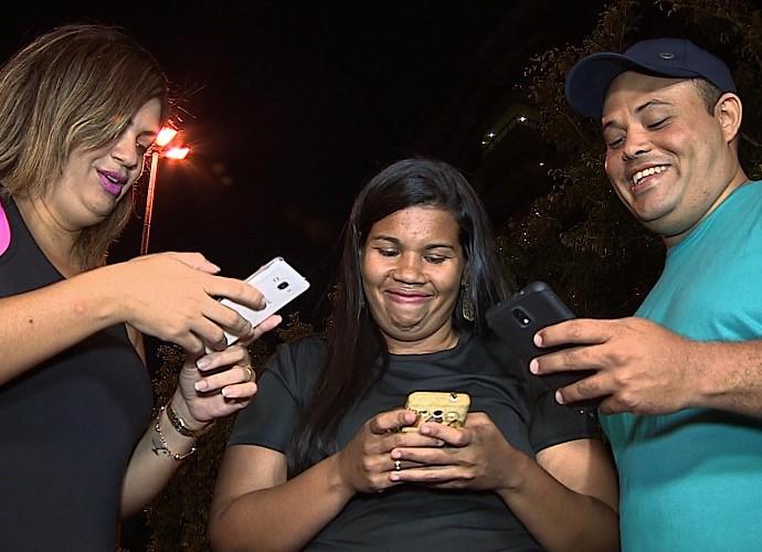 Participantes do MTV contam com aplicativos na batalha contra a balança (Foto: Reprodução / TV Sergipe)