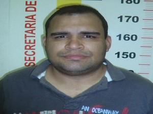 André foi preso em flagrante pela polícia de Timóteo.  (Foto: Reprodução InterTV dos Vales)
