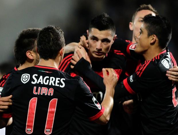 Cardozo gol Benfica (Foto: Reuters)
