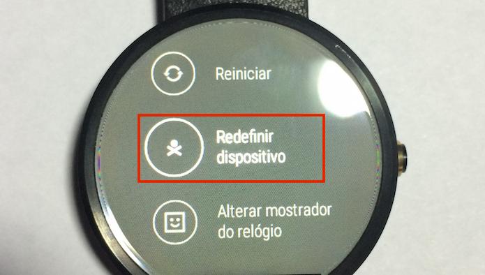 Tocando na opção Redefinir dispositivo (Foto: Reprodução/Edivaldo Brito)