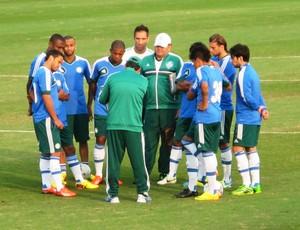 Técnico Gilson Kleina reunião Palmeiras treino (Foto: Marcelo Hazan)