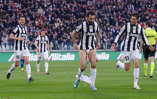Mirko Vucinic gol Juventus (Foto: Reuters)