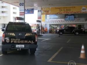 Investigações começaram em um posto de gasolina em Brasília que lavava dinheiro  (Foto: Reprodução / RPC)