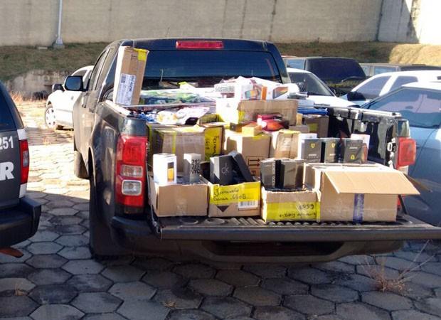 Motorista adquiriu produtos em Ponta Porã (MS) por R$ 50 mil (Foto: Polícia Rodoviária/Cedida)