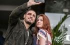 Selfie: Marina e Daniel registram o momento da gravação (Foto: Inácio Moraes/TV Globo)