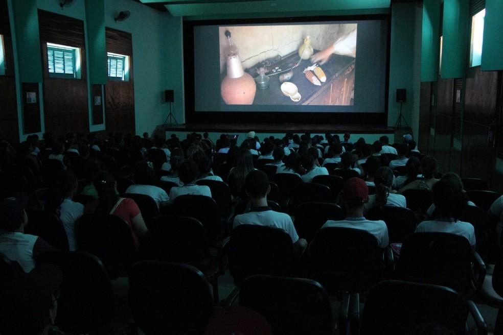 Público durante a Mostra Pajeú de Cinema em 2016 (Foto: Reprodução/Facebook/Mostra Pajeú de Cinema)