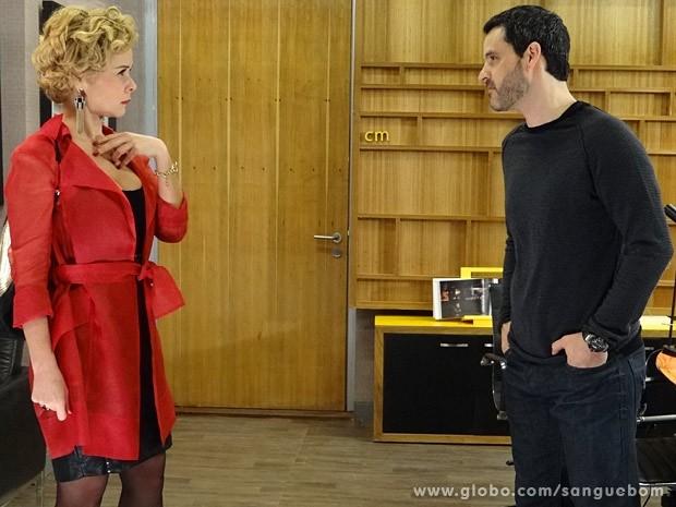 Bárbara Ellen e Natan discutem (Foto: Sangue Bom / TV Globo)