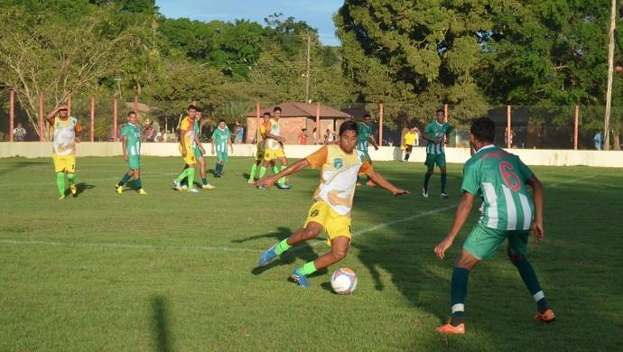 jogo treino Tapajós e Belterra (Foto: Weldon Luciano/GloboEsporte.com)