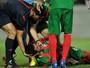 Após susto contra Benfica, brasileiro do Marítimo tem alta do hospital. Veja!
