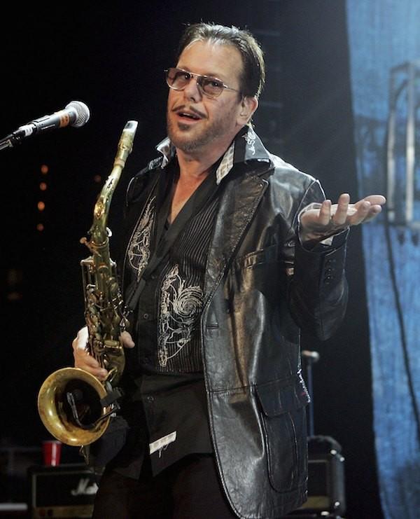 O guitarrista do INXS, Kirk Pengilly, durante uma apresentação solo (Foto: Getty Images)