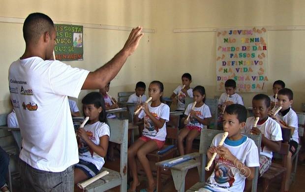 Projeto 'Amigos Solidários' atende 30 crianças de comunidades carentes de Rio Branco (Foto: Bom Dia Amazônia)