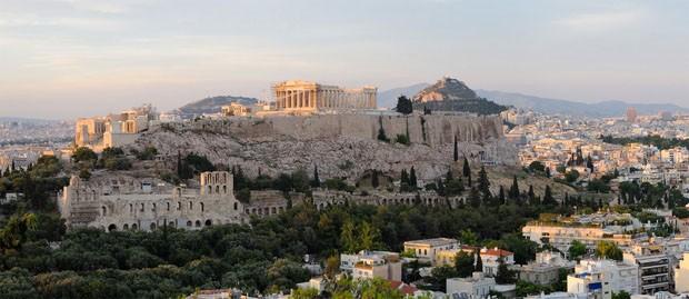 (Foto: Wikimedia / Christophe Meneboeuf / http://en.wikipedia.org/wiki/File:Acropolis_%28pixinn.net%29.jpg)