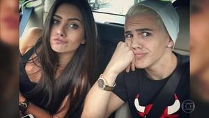 Biel com a namorada (Foto: TV Globo)