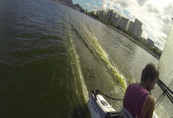 Baía de Guanabara água verde (Foto: Reprodução vídeo)