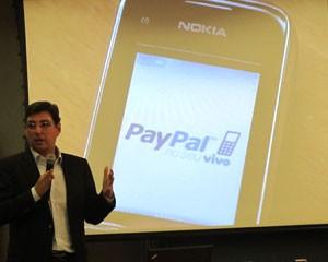 Mario Mello, da PayPal, apresenta uma nova forma de pagamento pelo celular (Foto: Laura Brentano/G1)