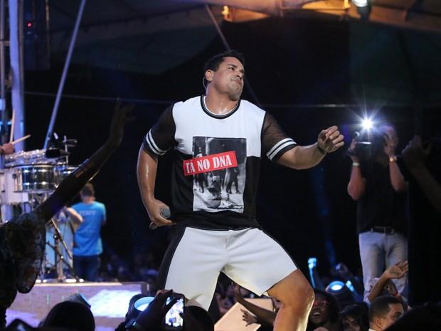 Xanddy em show em Salvador, na Bahia (Foto: Ag. News)