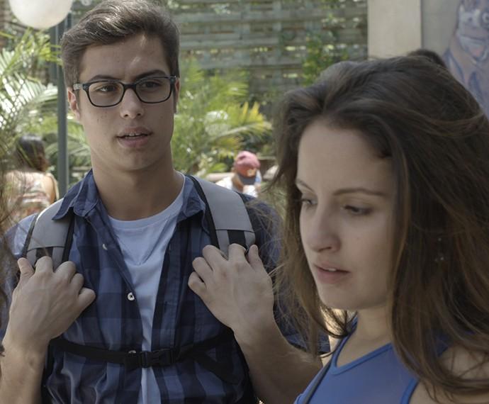 Filipe flagra o bafão entre seus crushes (Foto: TV Globo)