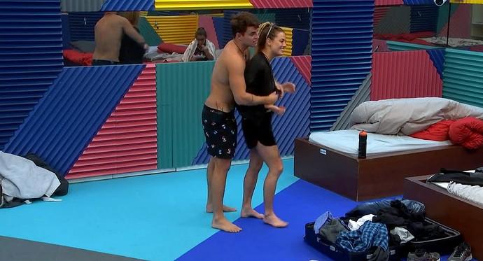 Antônio e Alyson estão juntos desde a última sexta (Foto: Telecinco)