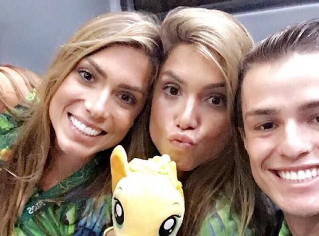 Cerimônia gêmeas nado abertura da Olimpíada no Maracanã (Foto: Instagram)