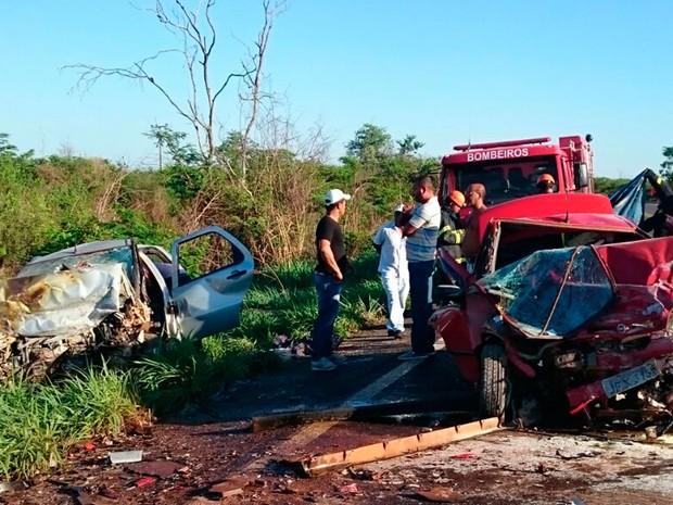 Ao menos seis pessoas ficaram feridas no acidente (Foto: Jadiel Luiz/Blog Sigi Vilares)