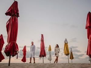 Ensaio de casal em uma praia por Murilo e Rebeca na Bahia (Foto: Murilo Mascarenhas/Divulgação)
