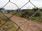 Área abandonada de faculdade gera risco do Aedes em Itapetininga