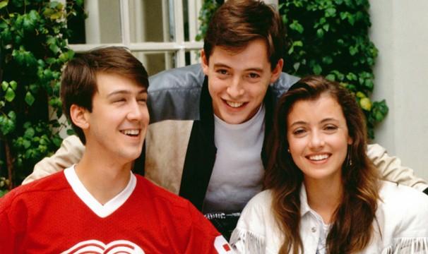 """Alan Ruck, Matthew Broderick, Mia Sara posam para foto de divulgação de """"Curtindo a Vida Adoidado"""", em 1986 (Foto: Divulgação)"""