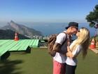 Radical! Ex-BBBs Fernando e Aline voam de asa-delta no Rio de Janeiro