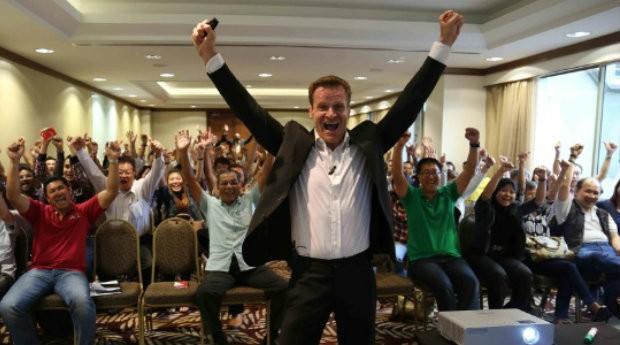 """Marco Robinson, milionário inglês, vai doar um apartamento para """"quem precisa"""" (Foto: Reprodução/MarcoRobinson.com)"""