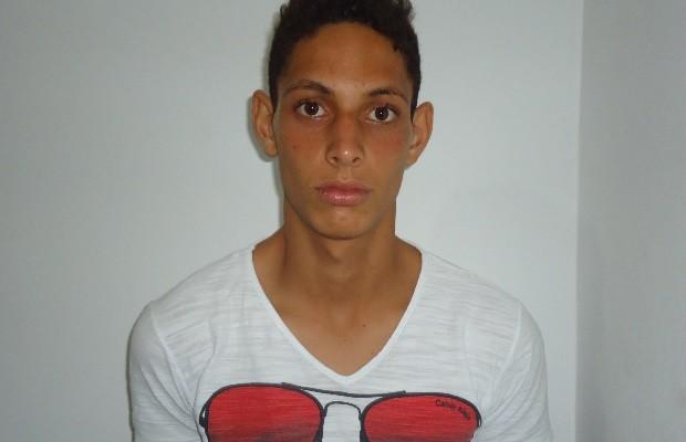 Jovem se entrega à polícia e confessa que matou ex-namorada e amigo dela em itapuranga, Goiás (Foto: Divulgação/Polícia Civil)