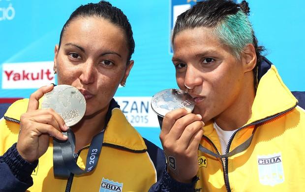 Poliana e Ana Marcela fazem história e conquistam ouro e prata nos 10km