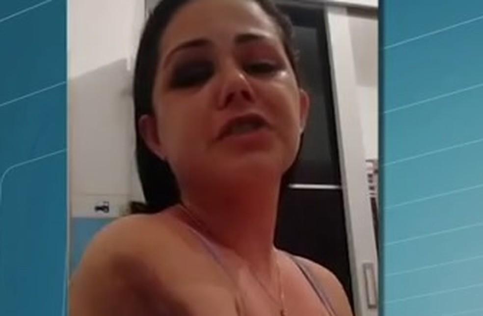 Loose pussy lips asshole