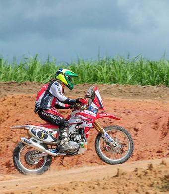 Jean Azevedo em Linhares no Campeonato Brasileiro (Foto: Márcio Machado/DFOTOS)