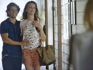 Edgato e Fábia não escondem a felicidade  (Foto: Malhação / TV Globo)