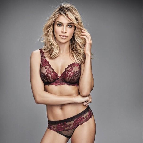 Grazi Massafera em campanha de lingerie (Foto: Reprodução/Instagram)
