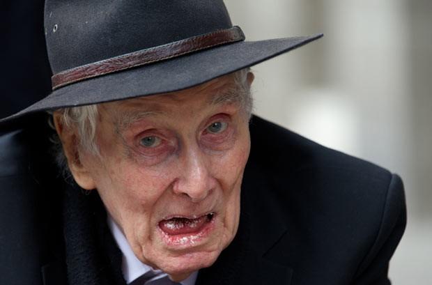 Ronald Biggs em 20 de março em Londres (Foto: Andrew Cowie/AFP)