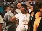 Grávida, Kelly Rowland vai a show de Beyoncé e Jay-Z