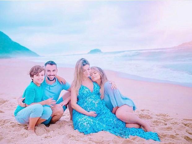 Kelly Key e Mico Freitas com os filhos, Suzanna Freitas e Jaime Vitor (Foto: Reprodução / Instagram)
