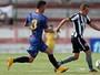"""Souza """"faz chover"""" em Bangu e dá a vitória ao Madureira contra o Botafogo"""