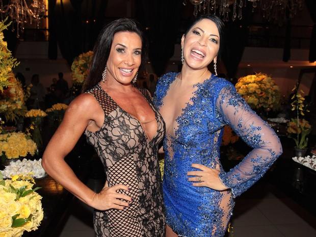 Scheila Carvalho e Sylvia Desing em festa em São Paulo (Foto: Celso Tavares/ EGO)