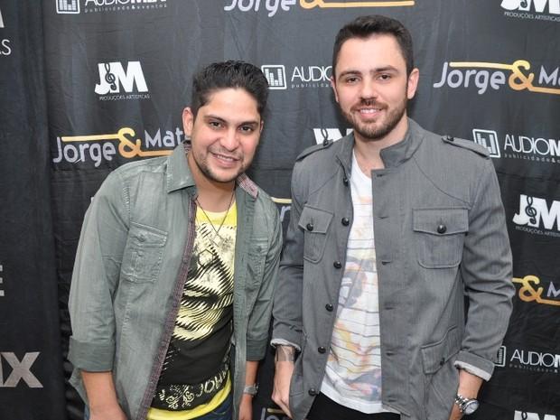 Dupla Jorge e Mateus antes de show no Rio (Foto: Bruno Henrique/ Divulgação)