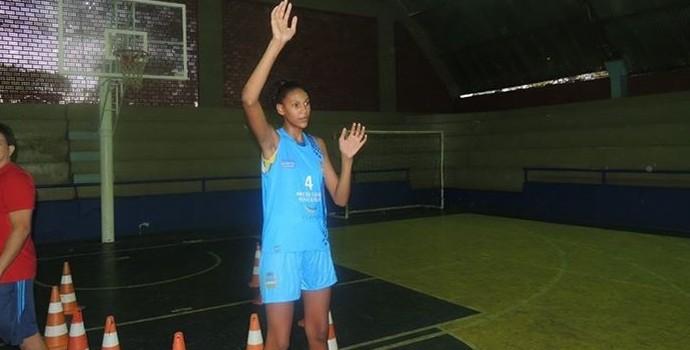 Kamilla é uma promessa do basquete (Foto: Divulgação)