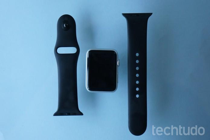 O Apple Watch vem com acessórios originais, mas que podem ser trocados (Foto: Bernardo Dabul/TechTudo)