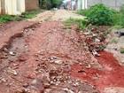 Morador critica falta de calçamento no Bairro Chapadão em Pitangui