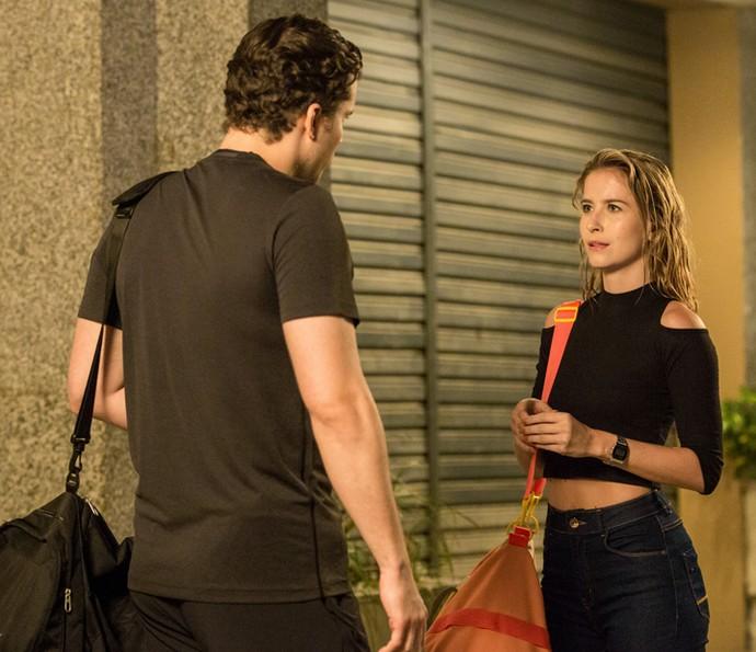 Bárbara fica chocada ao saber que Caio conhecia a mãe de Joana (Foto: Isabella Pinheiro/Gshow)